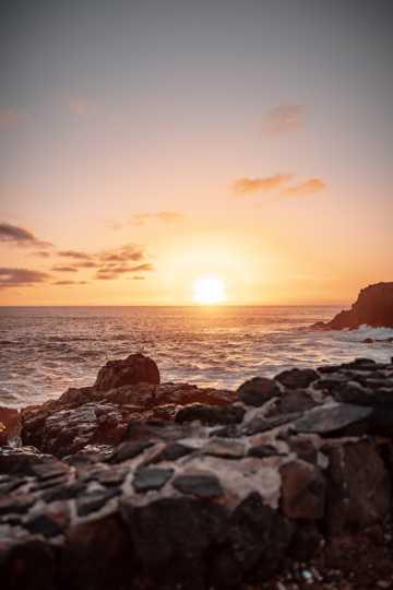 海岸朝阳景色图片