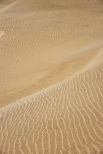 荒芜沙漠戈壁自然风光图片