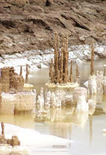 青海察尔汗盐湖自然风光图片