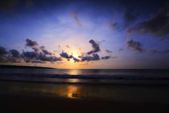 沙滩暮色高清图片