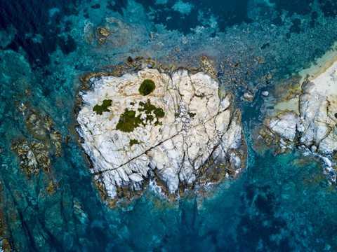 海岛俯看图片