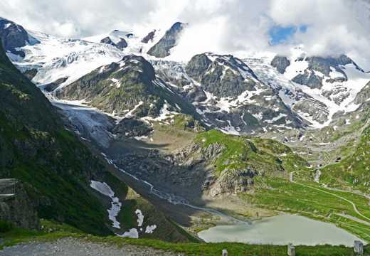 阿尔卑斯山峦雪山景象图片