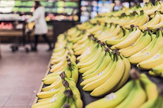 水果摊上的水果图片