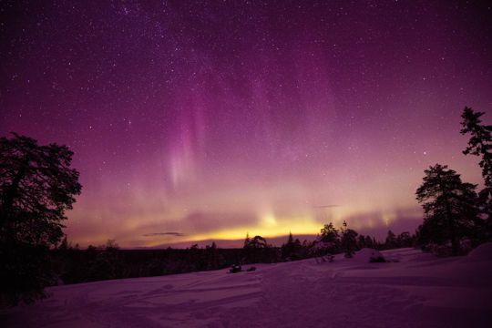 唯美紫色绚烂夜空图片