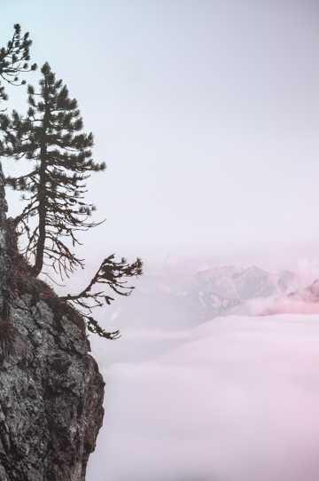 高山云彩景致图片